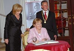 Evi Kurz, Bundeskanzlerin Angela Merkel, Oberbürgermeister Dr. Thomas Jung